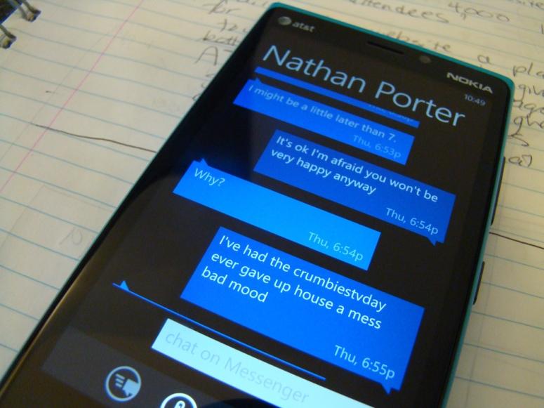 texting-on-windows-8-device-1