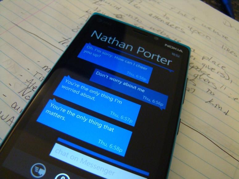 texting-on-windows-8-device-2