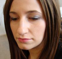 inglot silverey purple closeup of eyes